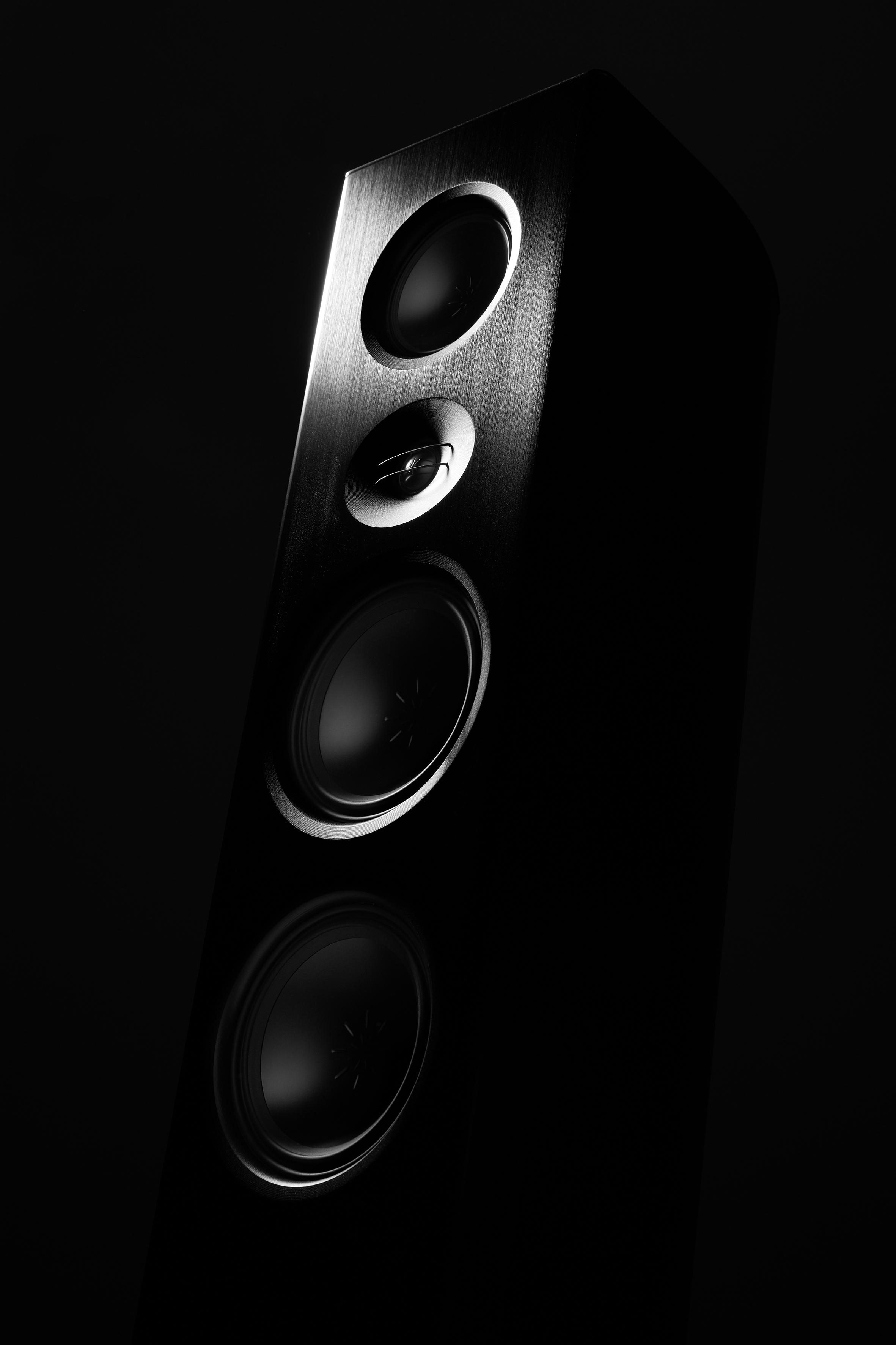 T+A - Talis S 300 Lautsprecher ab sofort bei Audio Exclusive in Wels zum anhören und kaufen. Kommen Sie und hören Sie diesen Traum Wandler.