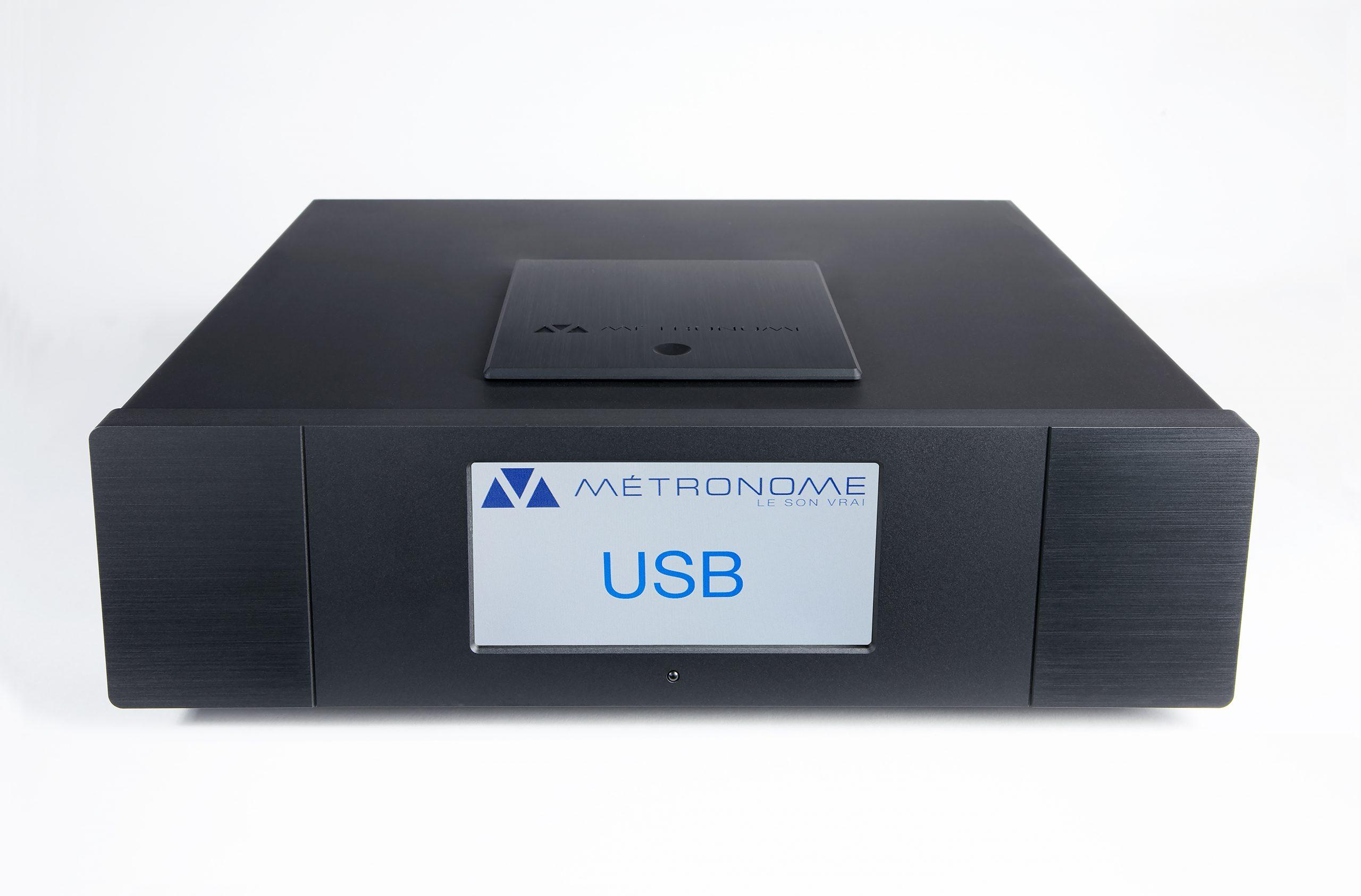 Metronome AQWO, wurde erstmals auf der Münchner HighEnd Show, im Mai 2018 vorgestellt. Es ist der erste, von Métronome entwickelte SACD-Player. Wie alle, von Métronome entworfenen Geräte, behält AQWO die analoge Klangqualität, sowohl bei der Wiedergabe von Discs als auch bei der Umwandlung, von Digital in Analog bei. Das Gerät, verfügt über eine Reihe digitaler Ein- und Ausgänge, die die Verwendung, mit verschiedenen Quellen ermöglichen. De