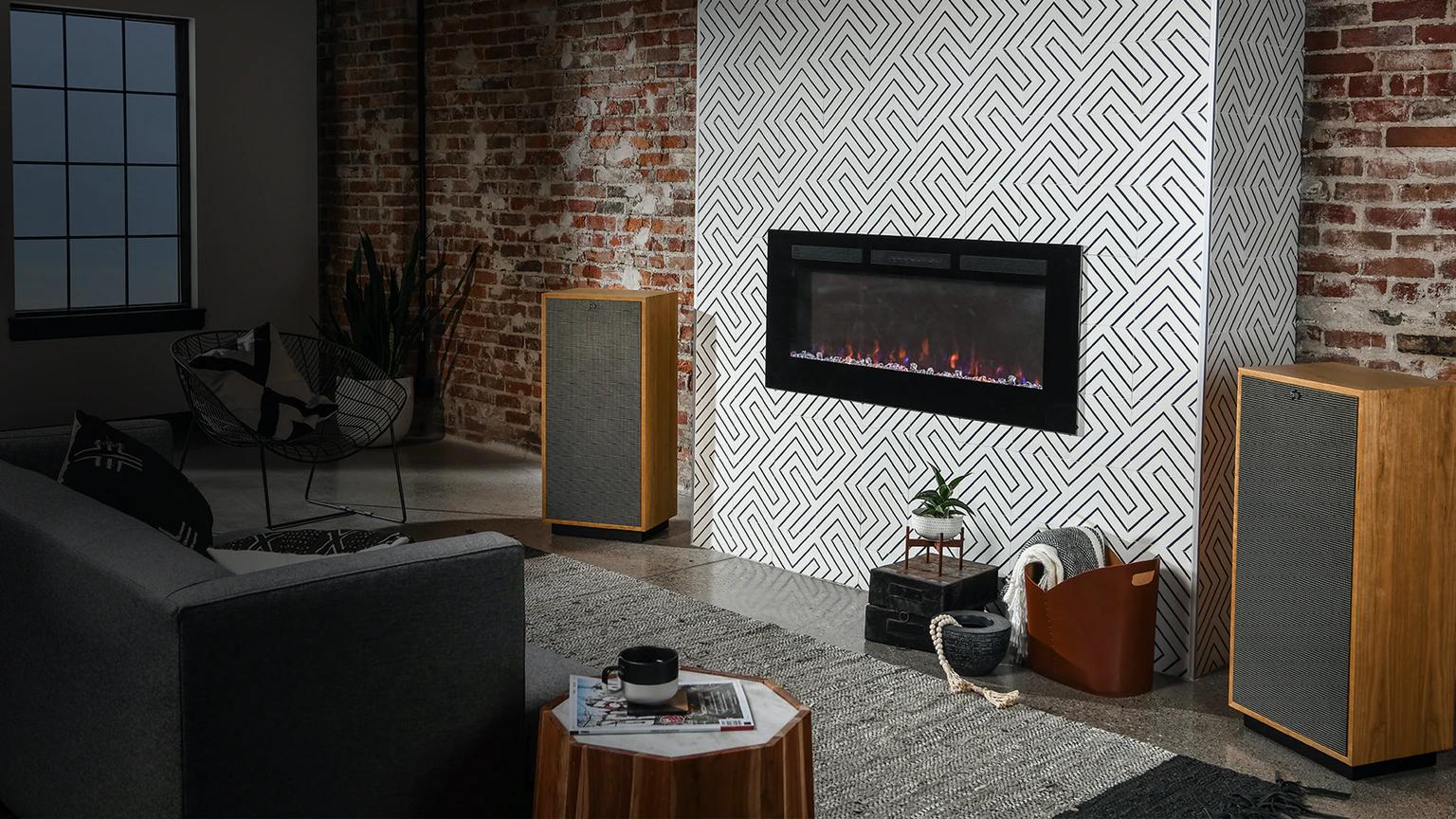 Klipsch Forte IV – Die Vollendung… High Performance, dafür stehe die Klipsch Heritage Forte IV, der neueste Spross der Klipsch Heritage Classic Premium Series und damit die neueste Generation eines Lautsprecher-Systems, das man durchaus als einen zeitlosen Klassiker bezeichnen darf.